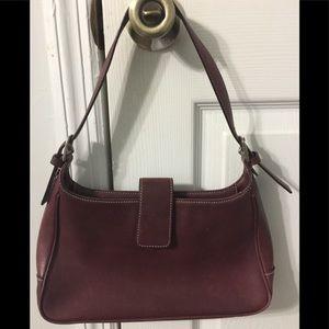 Coach shoulder bag in burgundy